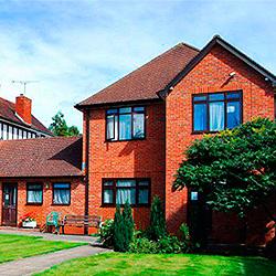 Brooke House College частная школа пансион в Англии | Великобритании